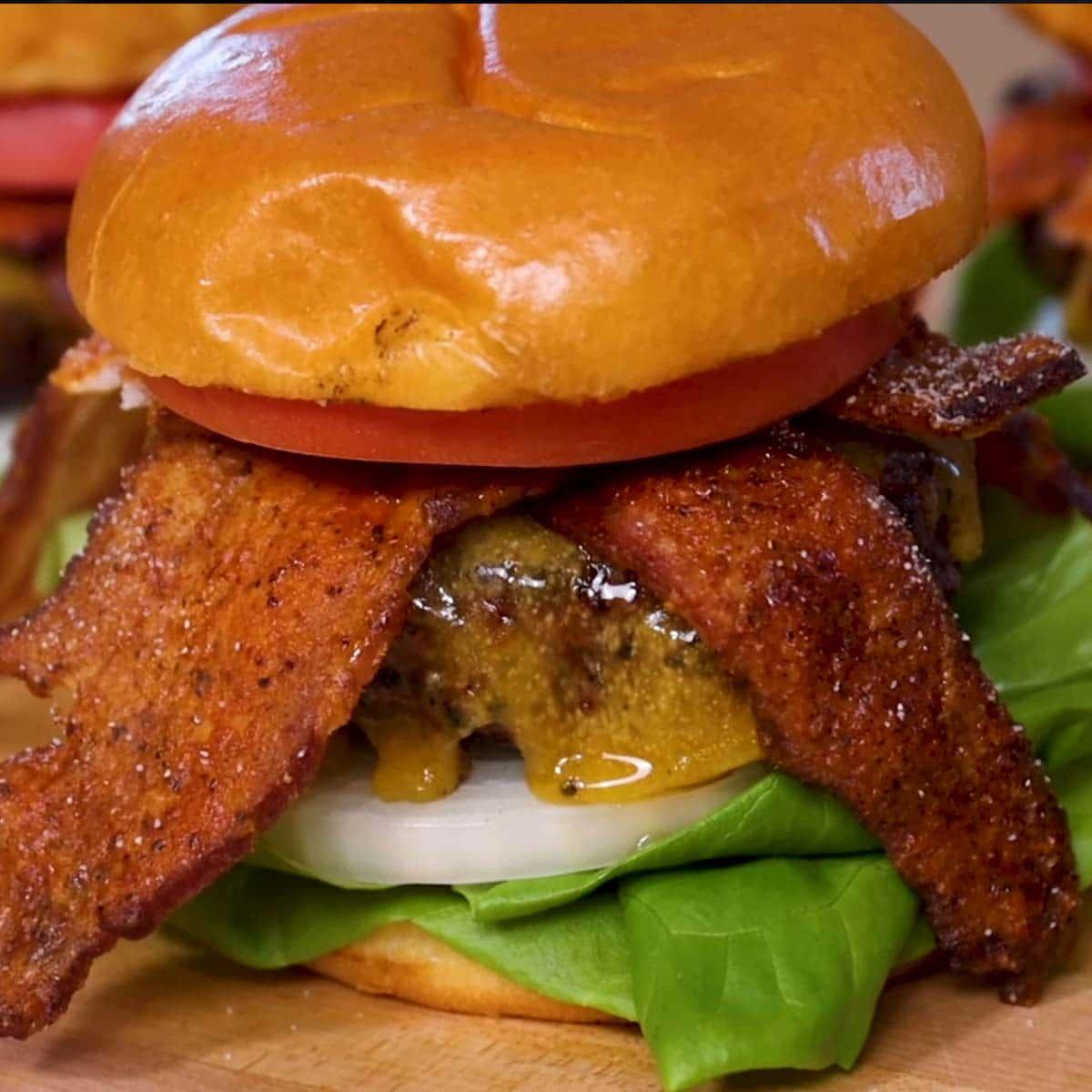 Garlic Butter Bacon Cheeseburger